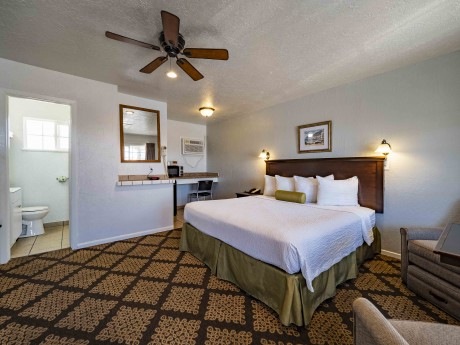 Stage Stop Inn - Guest Room